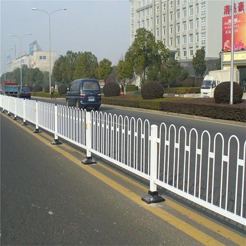 合山防撞护栏三波形护栏哪家好-广西星沃