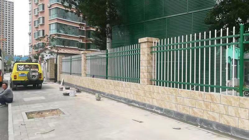 陕西延安锌钢草坪护栏-锌钢草坪护栏专卖-洛阳中星实力公司