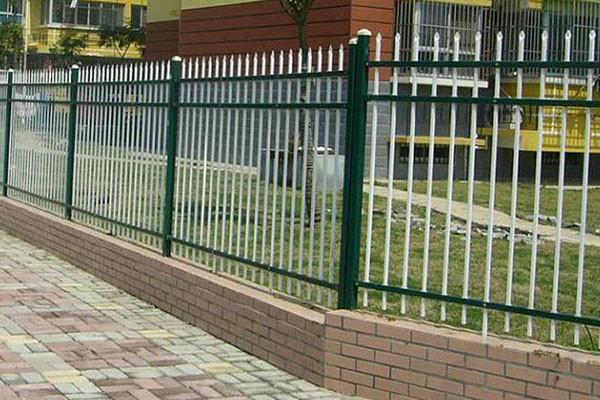 甘肃省酒泉市围墙锌钢护栏-围墙锌钢护栏生产厂家--洛阳中星