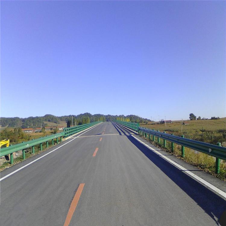 湖北省武汉市波形护栏-波形护栏生产厂家-洛阳中星