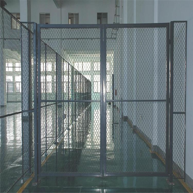 甘肃省武威市双边护栏网-双边护栏网生产厂家--洛阳中星